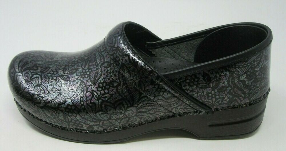 Leather clogs, Patent leather