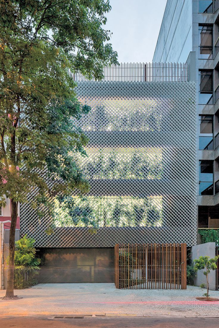 Bernardes Architecture Brings ButtonedDown Design to Ipanema Office Building is part of architecture House Colonial Porticos - With all the scantily clad, tan young lovelies parading through Rio de Janeiro's beachside Ipanema neighborhood, an effort to temper curious gazes and blazing rays might c