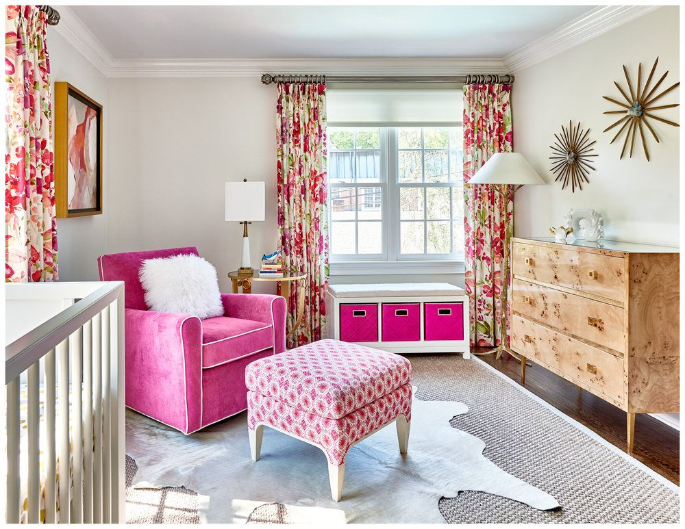 PINK FOR LIVING ROOM. WOOD COLOR OF CHEST WITH BRIGHT PINK. LOVE IT ...