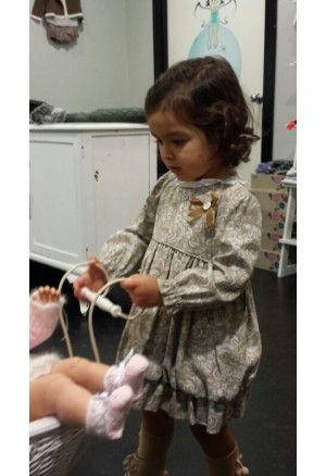 Eva Castro Vestido beige    http://www.suenodehadas.com/tienda/index.php?route=product/product&manufacturer_id=17&product_id=537