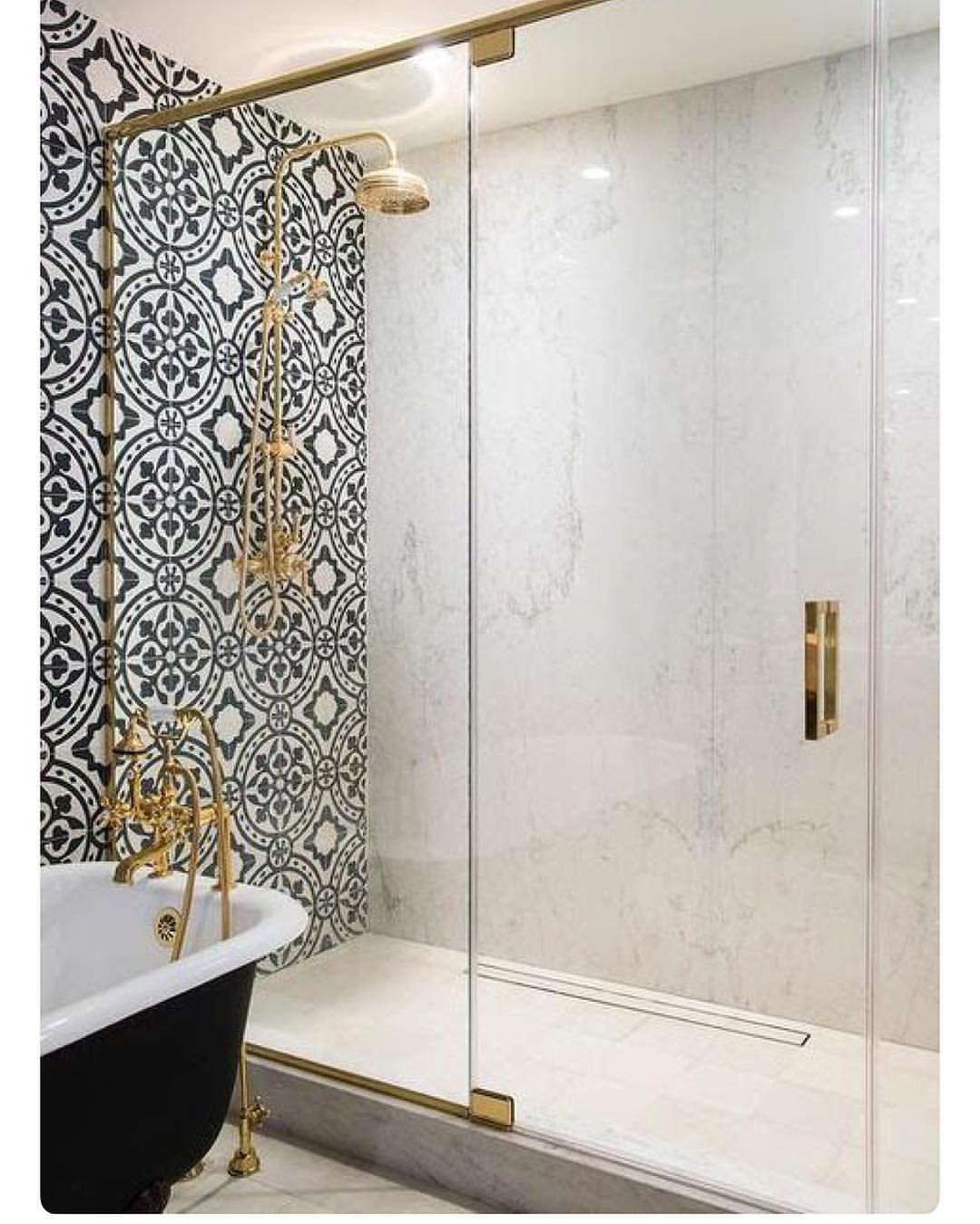 Graue Badezimmer, Badezimmerideen, Gäste Wc, Home Design, Schwarz Weiß Gold,  Junk Mail, Drehbuch, Fliesen