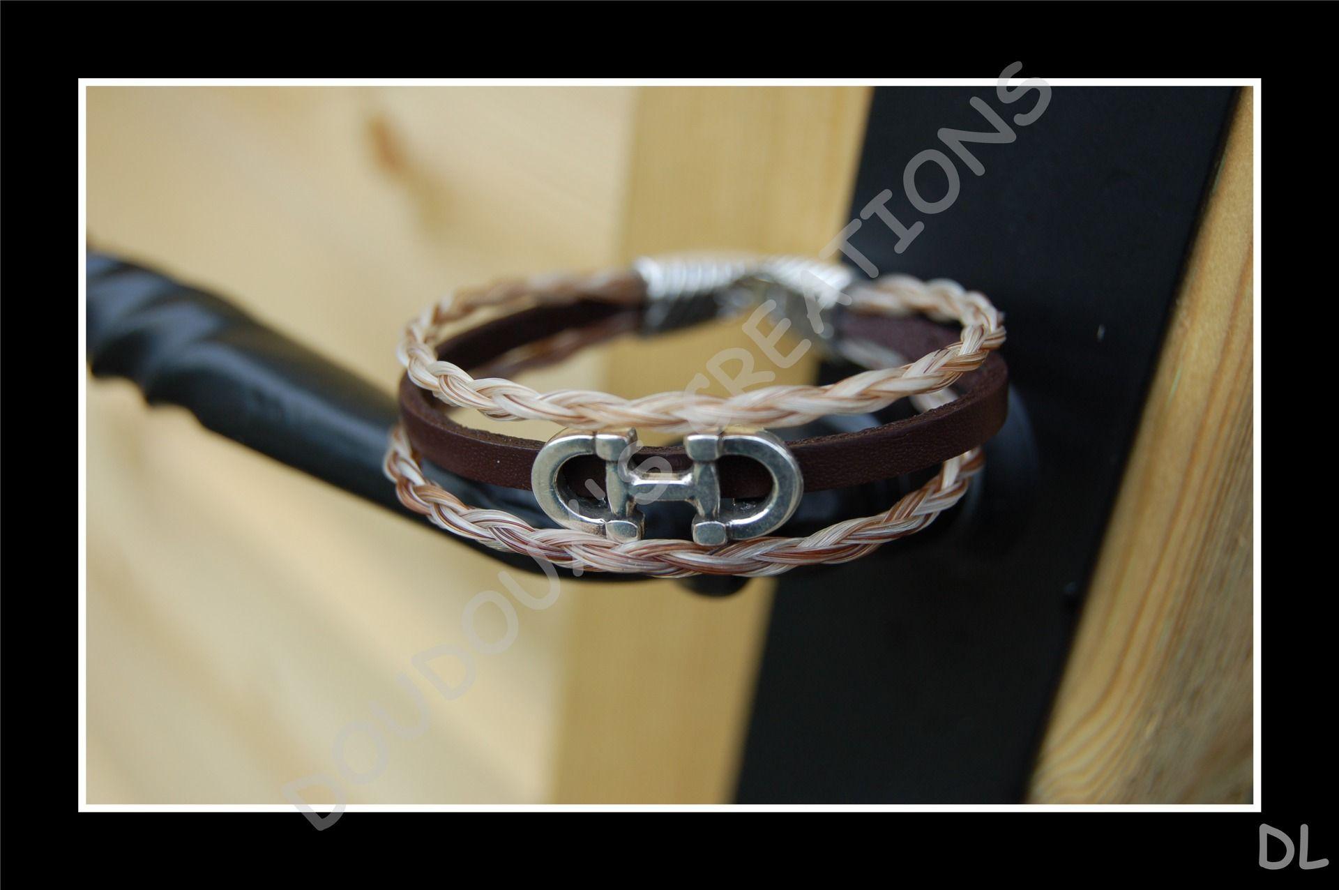 """Bracelet triple en véritables crins de cheval tons beige/alezan + cuir marron, perle passante """"mors"""" : Bracelet par doudoux-crins"""