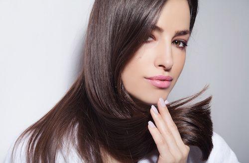 Vous avez les cheveux dévitalisés et fatigués ? Alors pour que vos cheveux retrouvent tonus et force, n'hésitez pas à consommer ces 5 aliments.