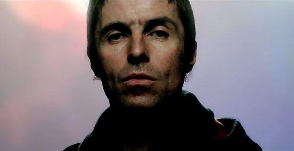 BEADY EYE – SOUL LOVE Luego de un tiempo sin dar que hablar, la banda de Liam Gallagher, Beady Eye, estrenó el clip de Soul Love, otro de los singles de su segundo disco BE (2013).