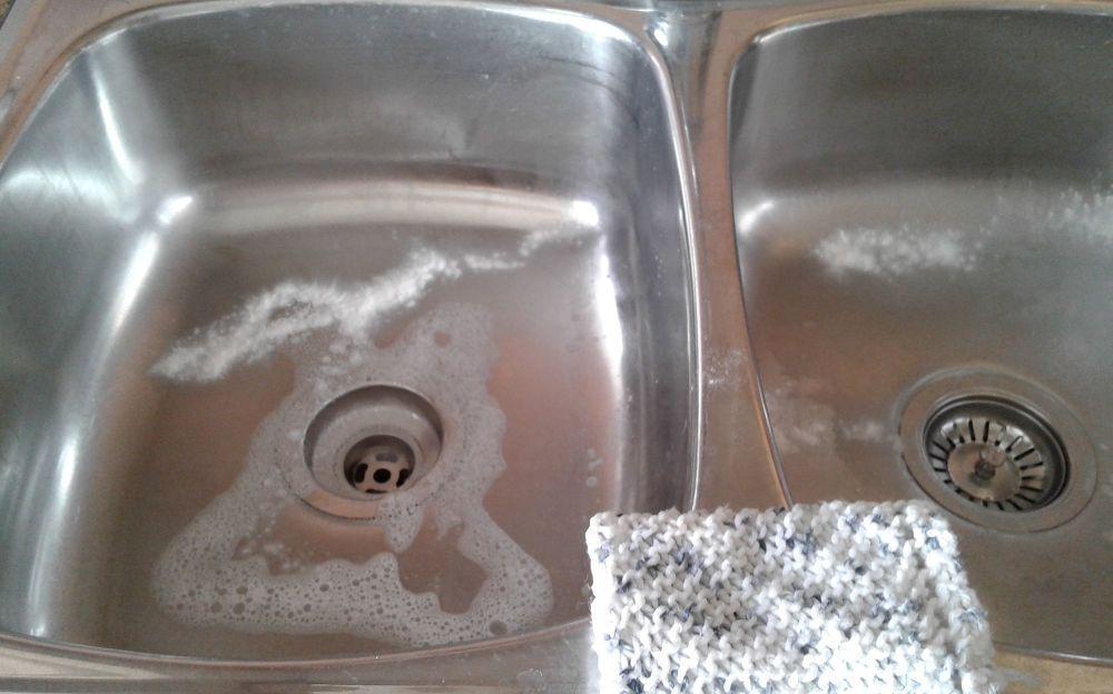 Diy Kitchen Sink Cleaner Recipie Using Baking Soda And Vinegar