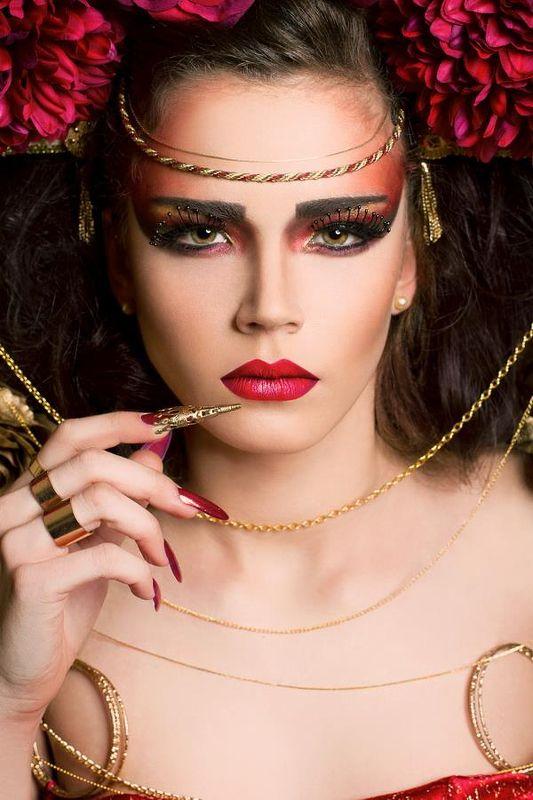Bien connu cours de maquillage et de coiffure artistique professionnel, paris  LO78