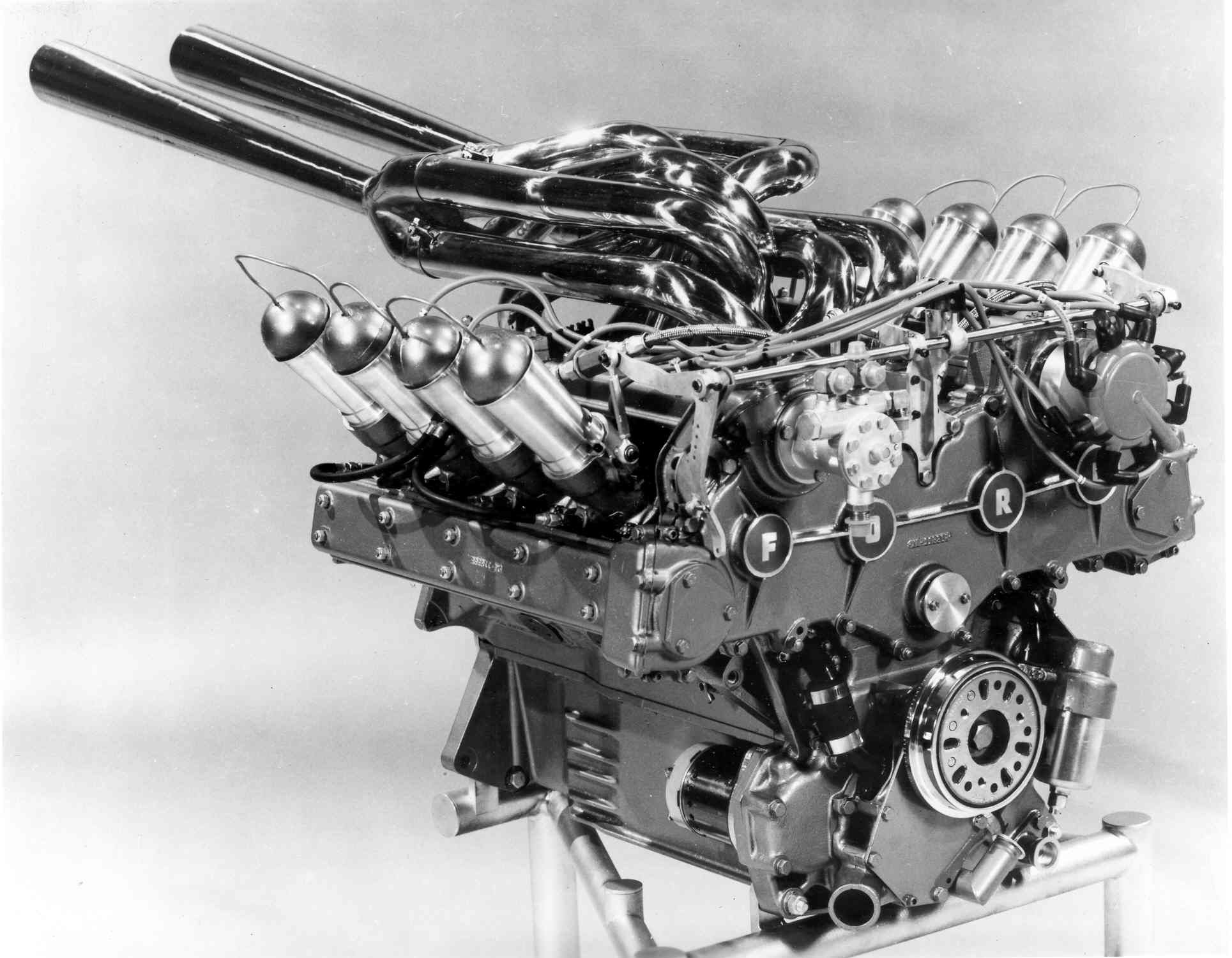 What\'s The Craziest Engine Of The Indy 500? | Car engine, Indy cars ...