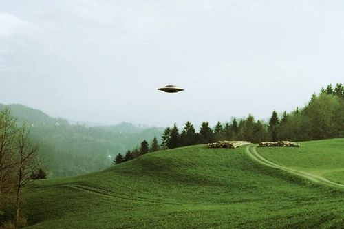 SEMJASE BEAMSHIP IN 1975 IN SWITZERLAND WITH BILLY MEIER CONTACTEE