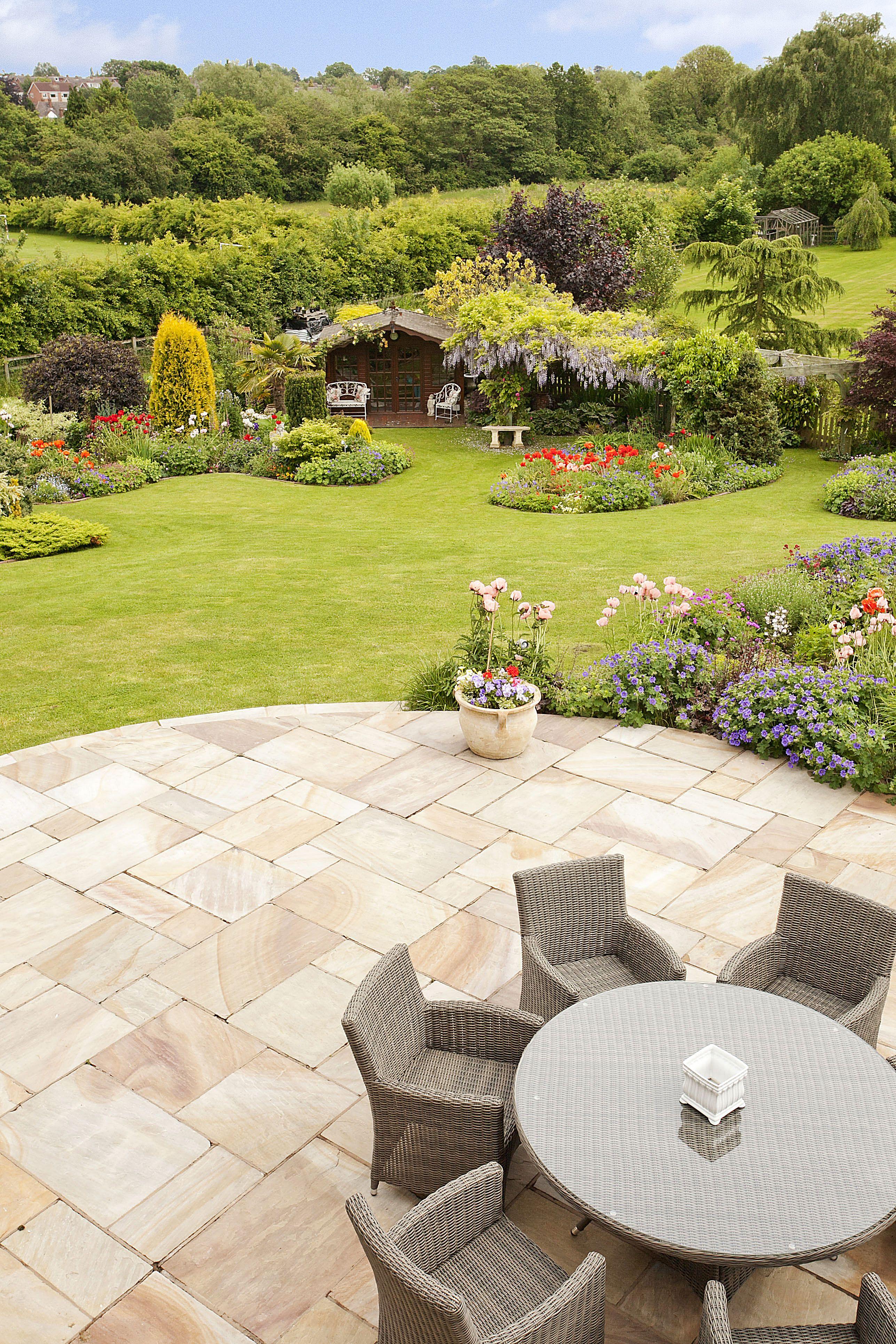 Garden view - Taken by Mark Mecklenburgh in Kenilworth ...