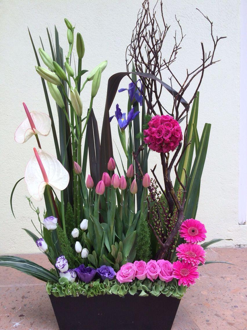 Arreglo de tulipanes, lilis, rosas, gerberas, jabonera (Ana Chavez)