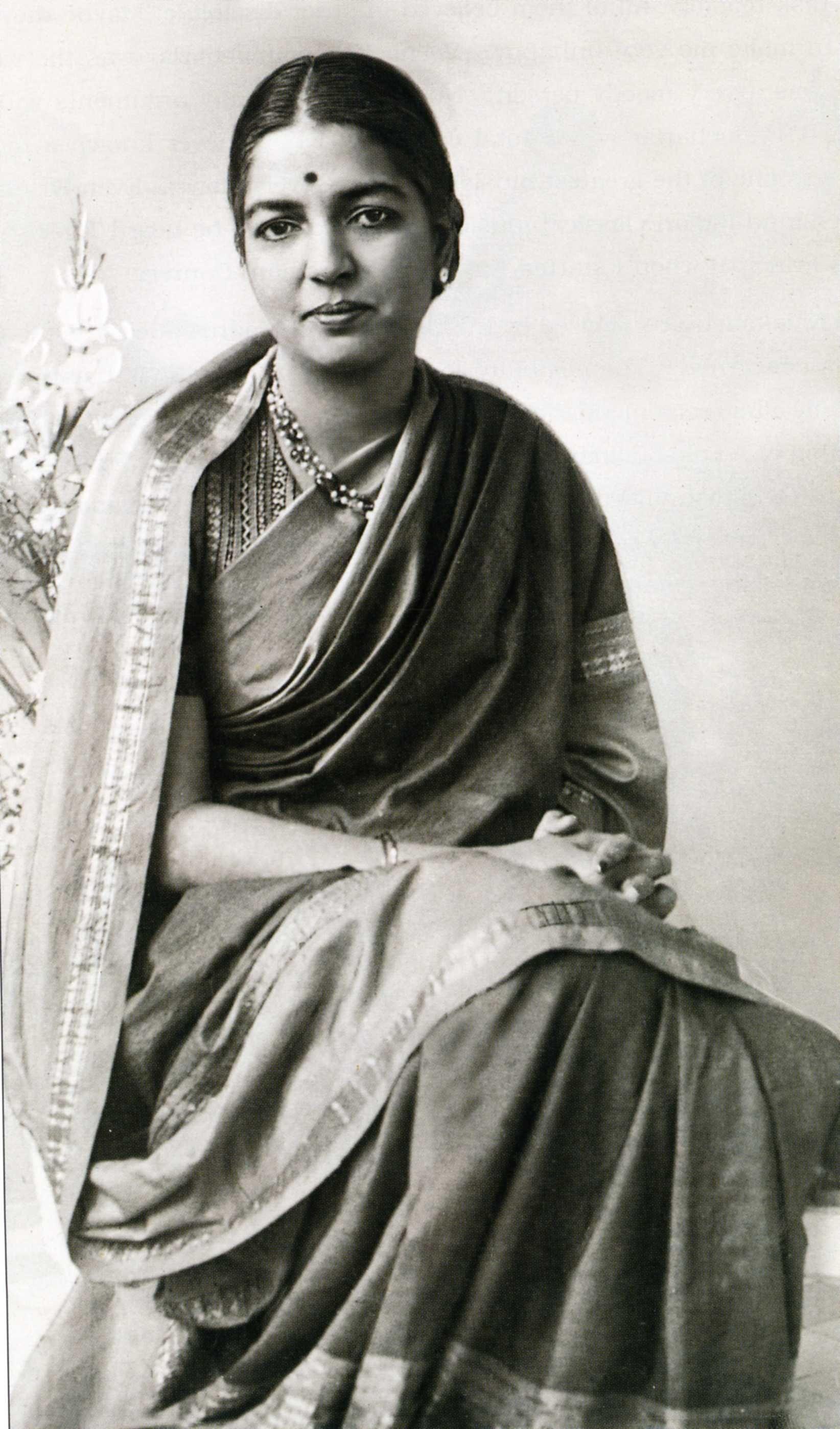 Rukmini in her 40s Rukmini Devi Arundale Theosophy