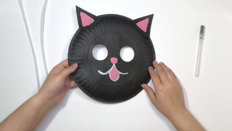 how to make halloween masks out of paper plates