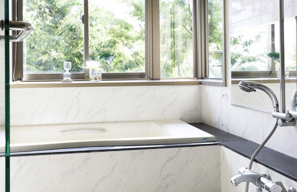 掃除マニア直伝 お風呂の赤カビ 黒カビ予防はオキシクリーンで