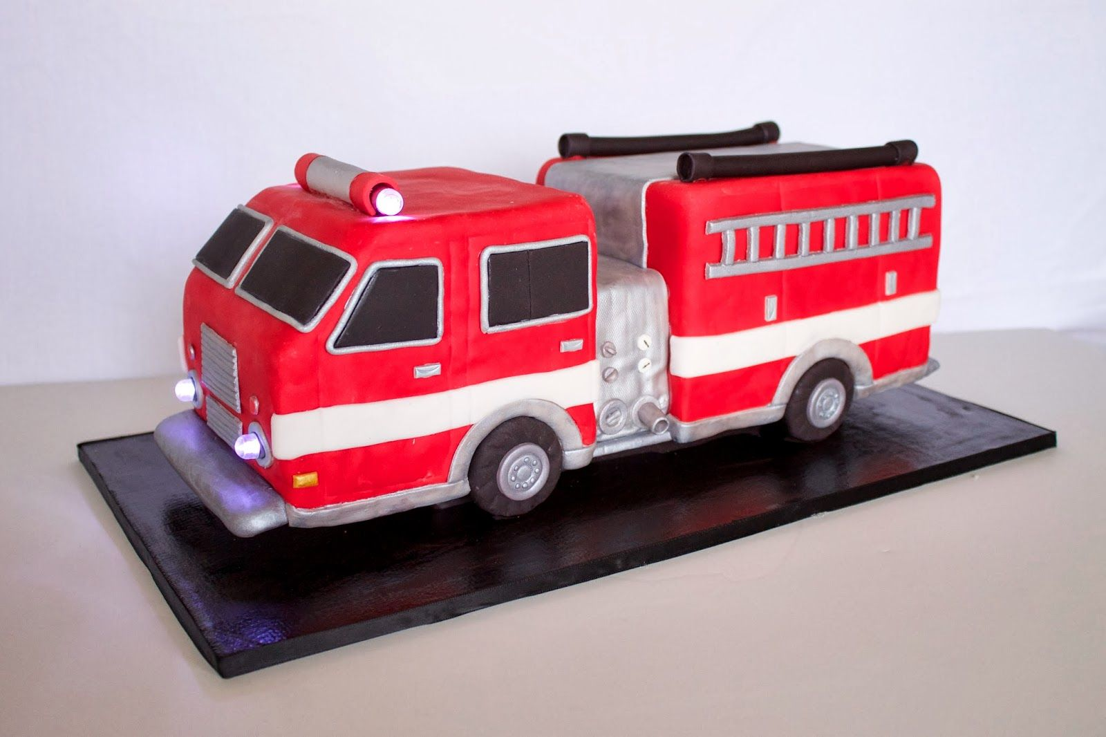 Custom Cakes Gourmet Sweets 3d Fire Truck Cake Tutorial Firetruck Cake Fireman Cake Fire Engine Cake
