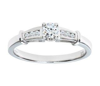 Gold Diamond Single Stone With Diamond Shoulders Ladies Ring