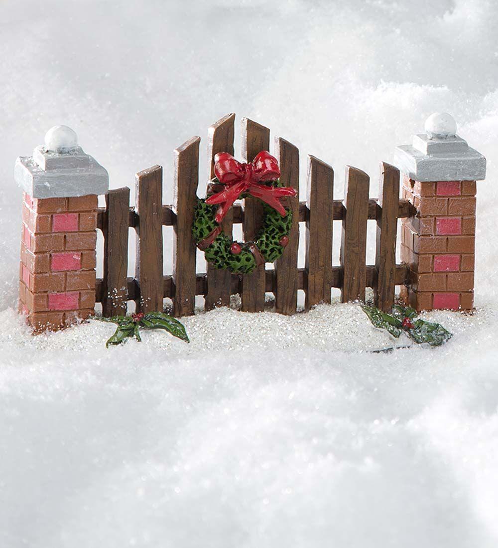 miniature fairy garden holiday fence with wreath miniature fairy