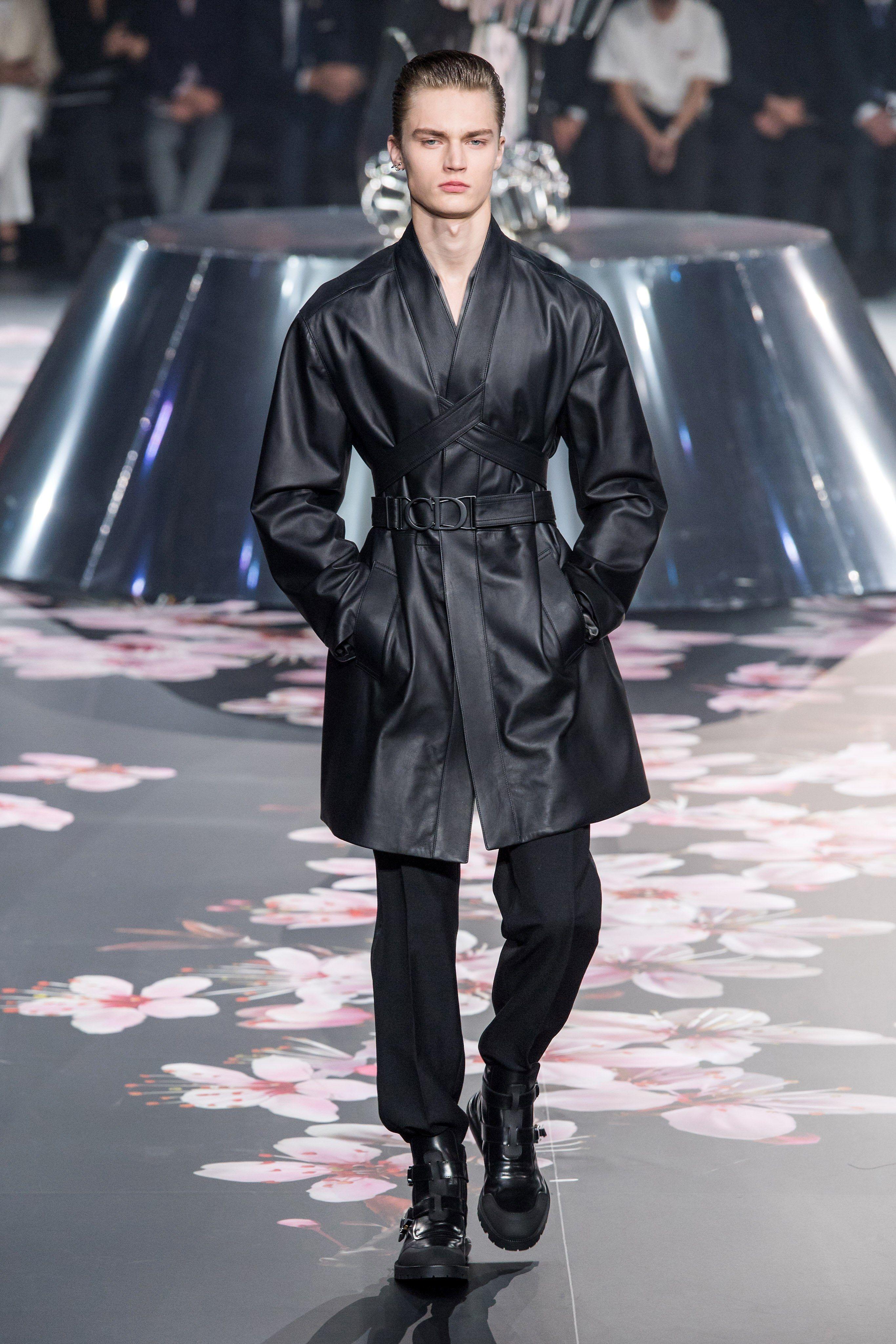 916a808f2ec56e Dior Men Pre-Fall 2019 Fashion Show   Menswear Runway   Mens fashion ...