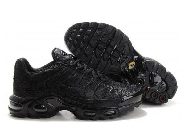 Nike Air Max TN Requin Pas Chere Chaussures De Homme Noir ...