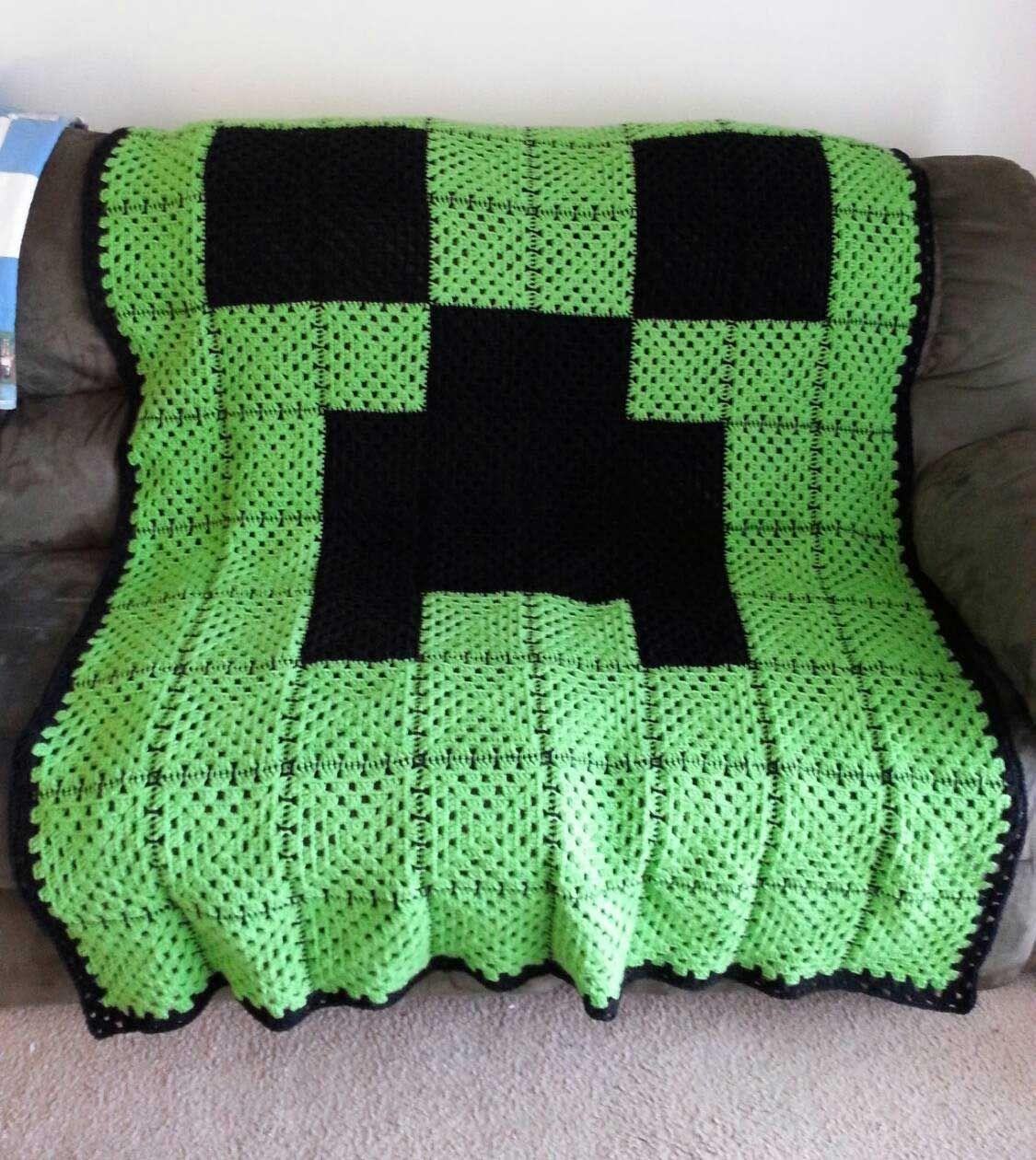 Minecraft Creeper Crochet Blanket | DIY | Pinterest | Handarbeiten