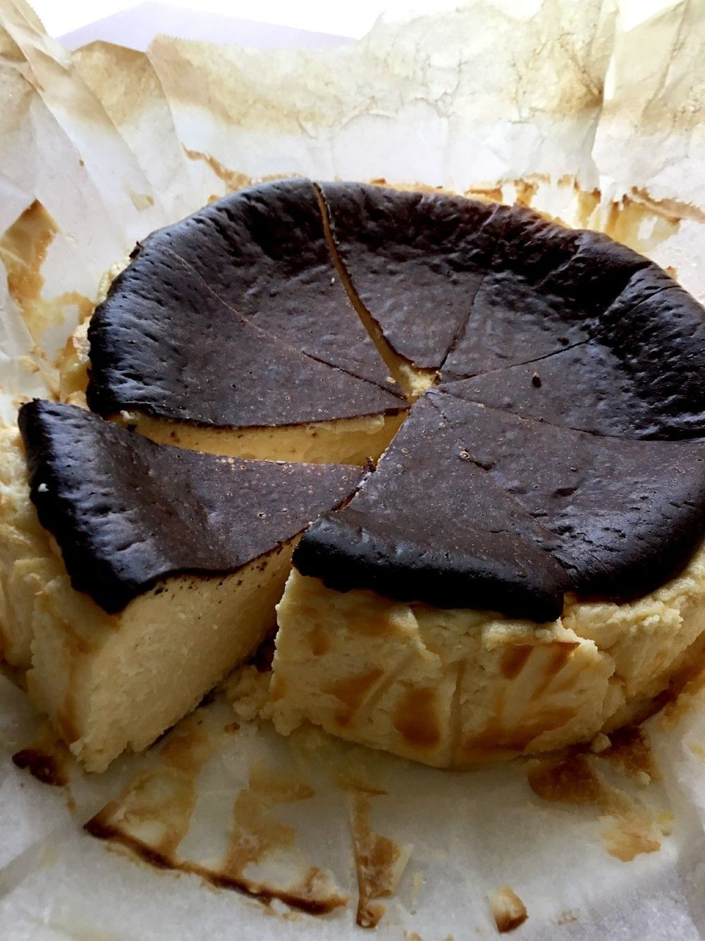 簡単♡低糖質!バスク風チーズケーキ