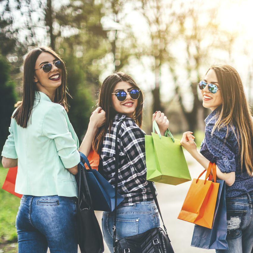 9ff7bd29e Conheça as melhores lojas para comprar roupa barata online. Saiba quais são  no nosso artigo.