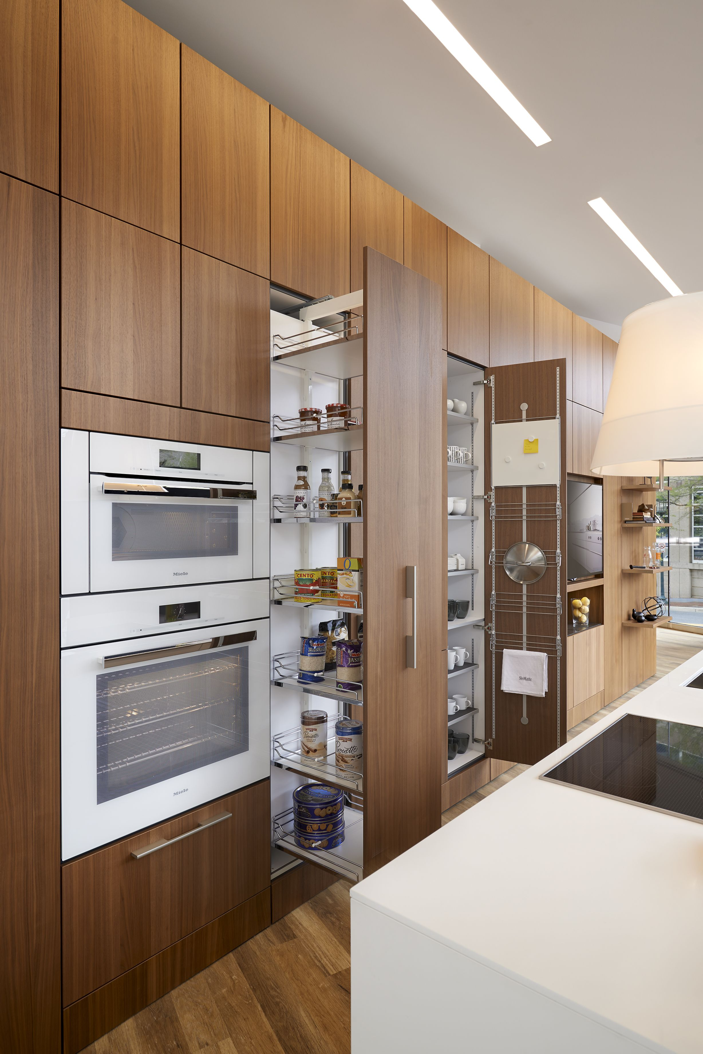 As The Premier Washington, DC Kitchen Designer, KONST Is Your Exclusive  Source For All Things SieMatic. We Offer High End, Luxury Fitted Kitchens  And ...