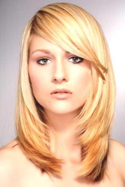 Frisuren Frauen Schulterlang Stufig Frauen Frisuren