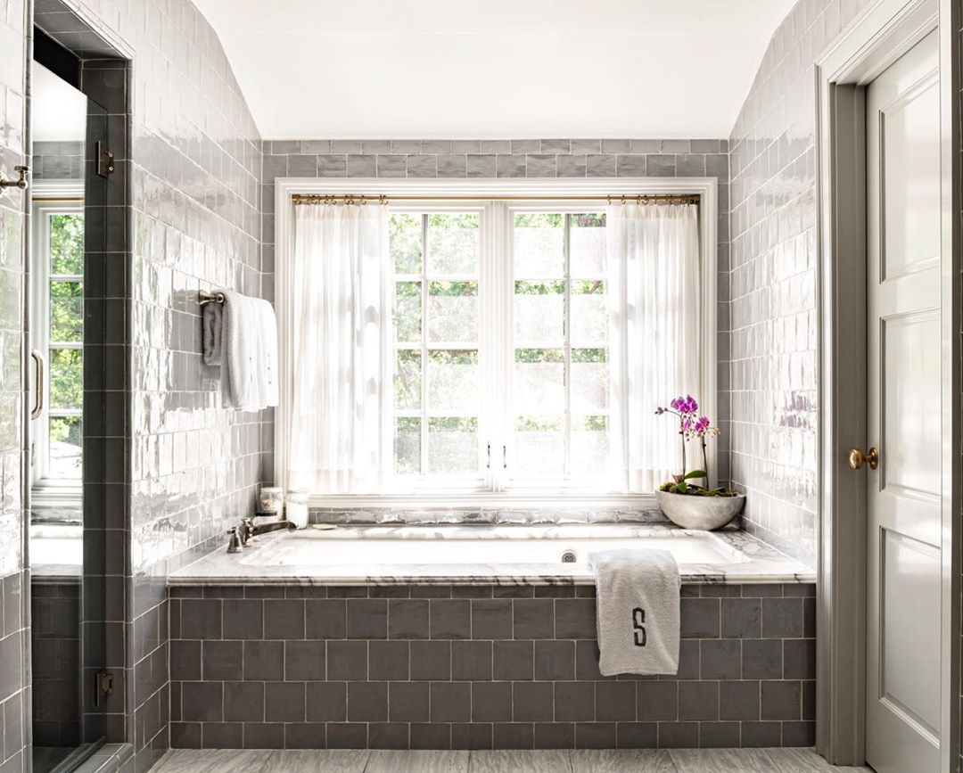 Trish Sheats Interior Design On Instagram Amazing Grays Fortworthinteriordesign Vfinehomes Trishsheatsid Vinteriors In 2020 Interior Interior Design Design
