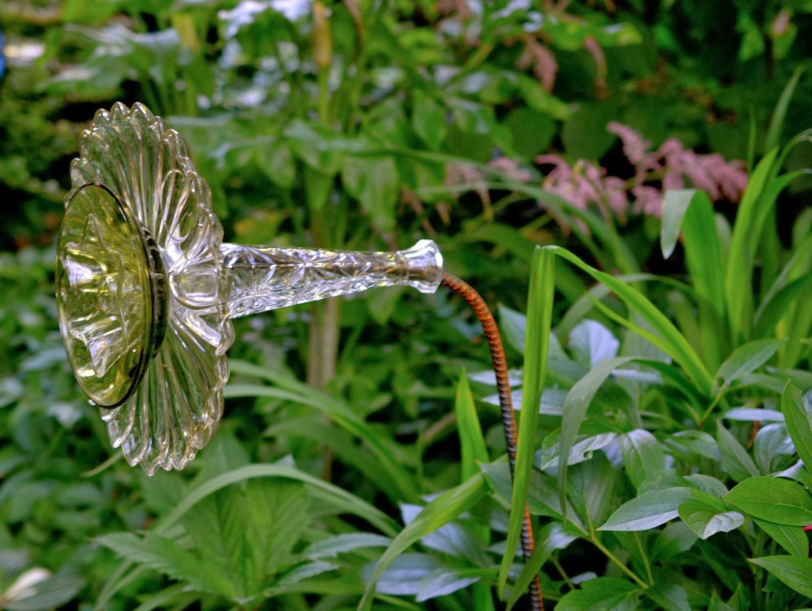 Pin By Carrie Smith On Crazy Yard Art Glass Garden