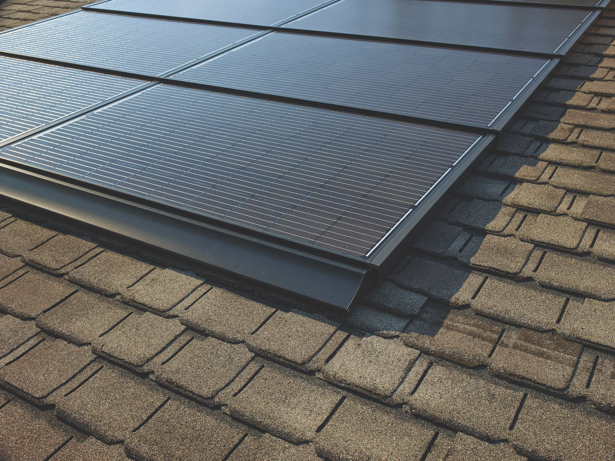 Meet The Solar Roof Designed By America S Largest Roofing Manufacturer With Images Solar Roof Solar Roof Design