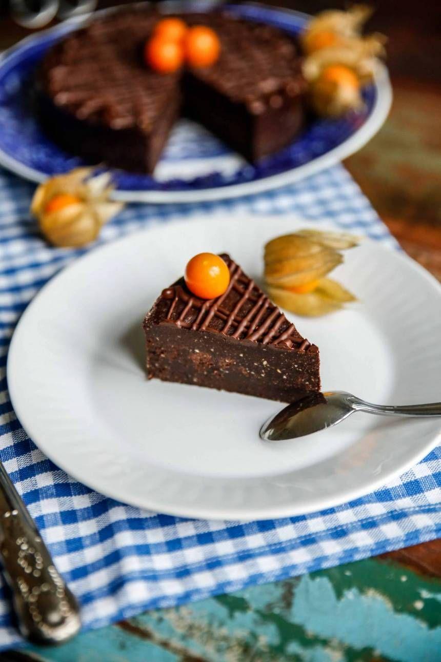 Paleo: Tryffelchokladtårta som tar nolltid att slänga ihop