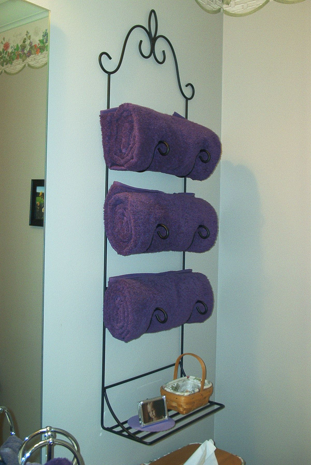 Awesome Metal Towel Shelf Frieze - Bathtub Ideas - dilata.info