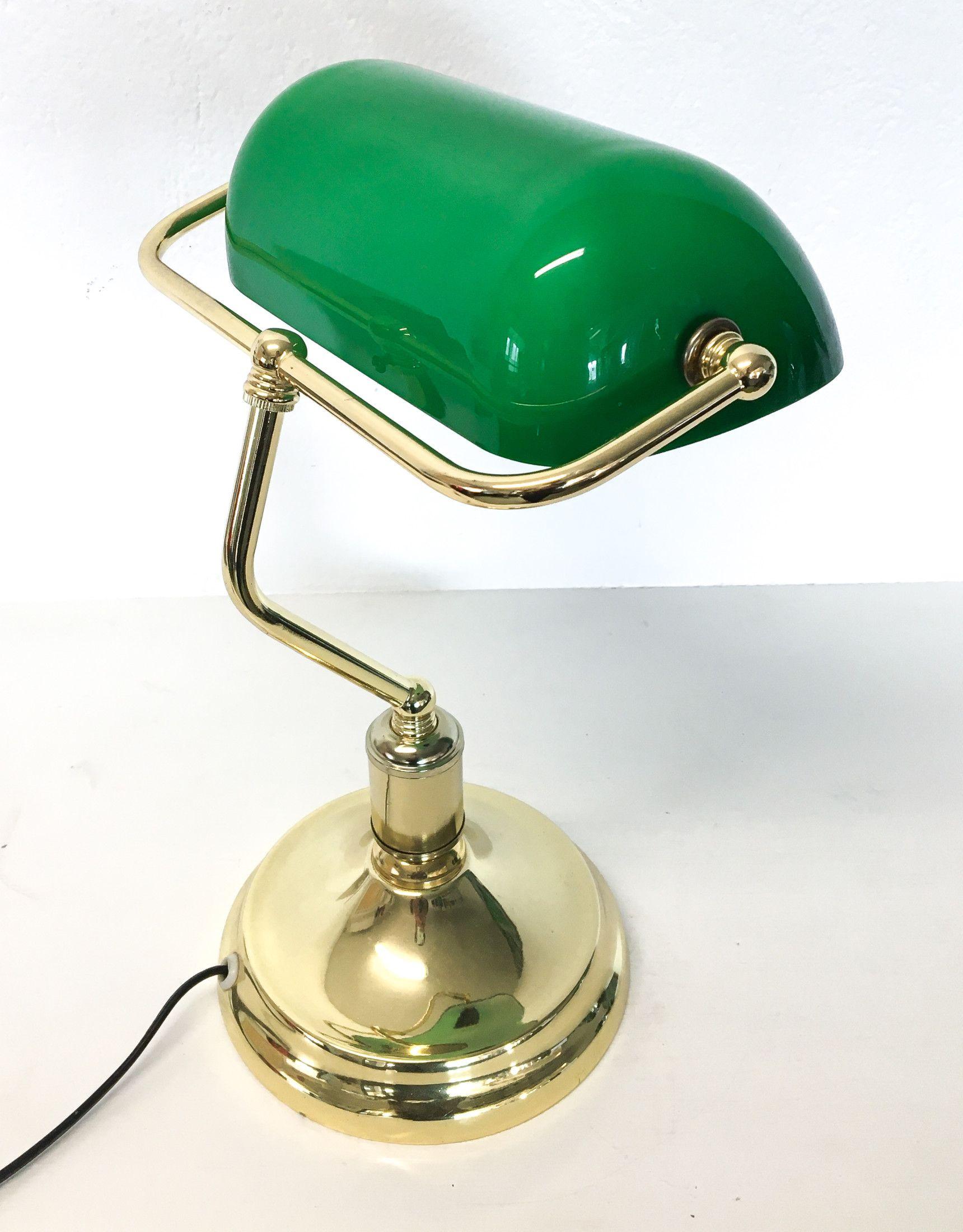 Lampada Da Tavolo Ministeriale Con Paralume In Vetro Verde Italia Lampade Da Tavolo Lampade Paralumi