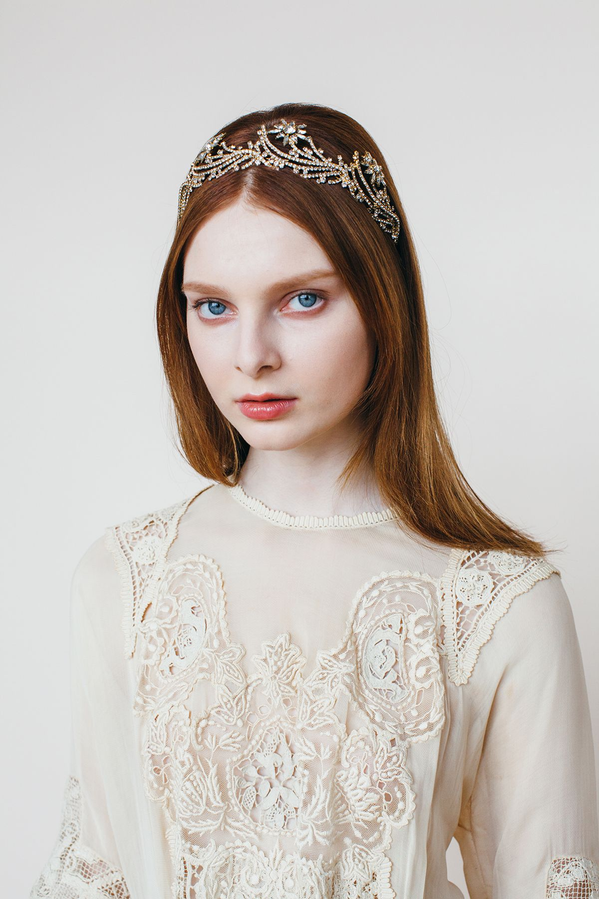 Dorothea Crown in crystal antique gold / Jennifer Behr | Classic ...