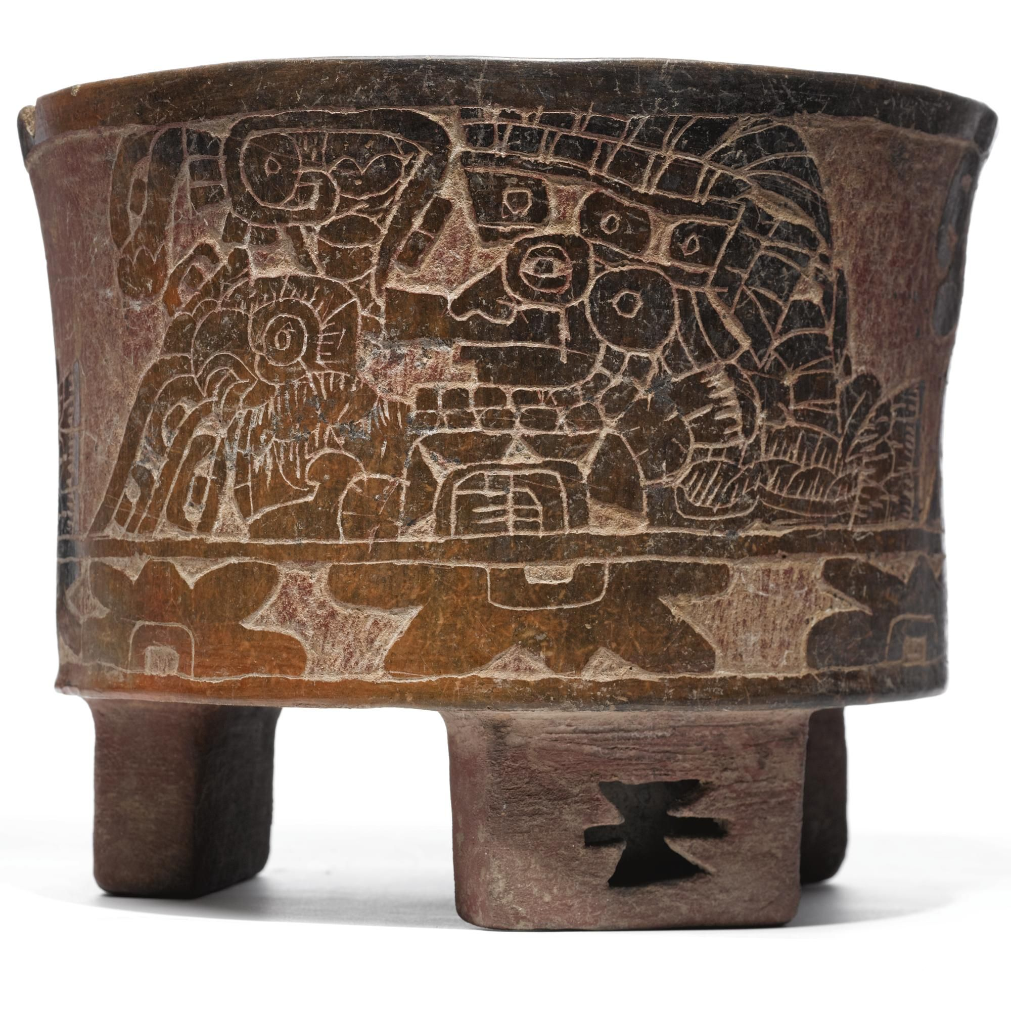 Teotihuacan incised tripod brownware vessel, Early Classic, ca. A.D. 250-450 © Sotheby's
