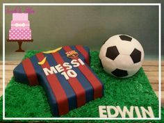 Messi jersey and soccer cake!