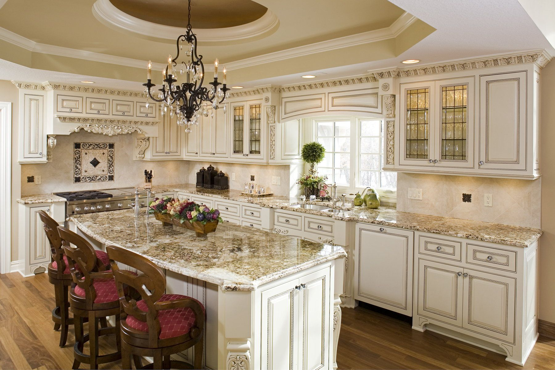 Cream Kitchen Cabinets With Chocolate Glaze Kitchen Off White Kitchens Off White Kitchen Cabinets Glazed Kitchen Cabinets