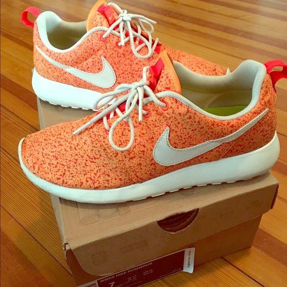 Nike Roshe Run Orange Speckle size 7