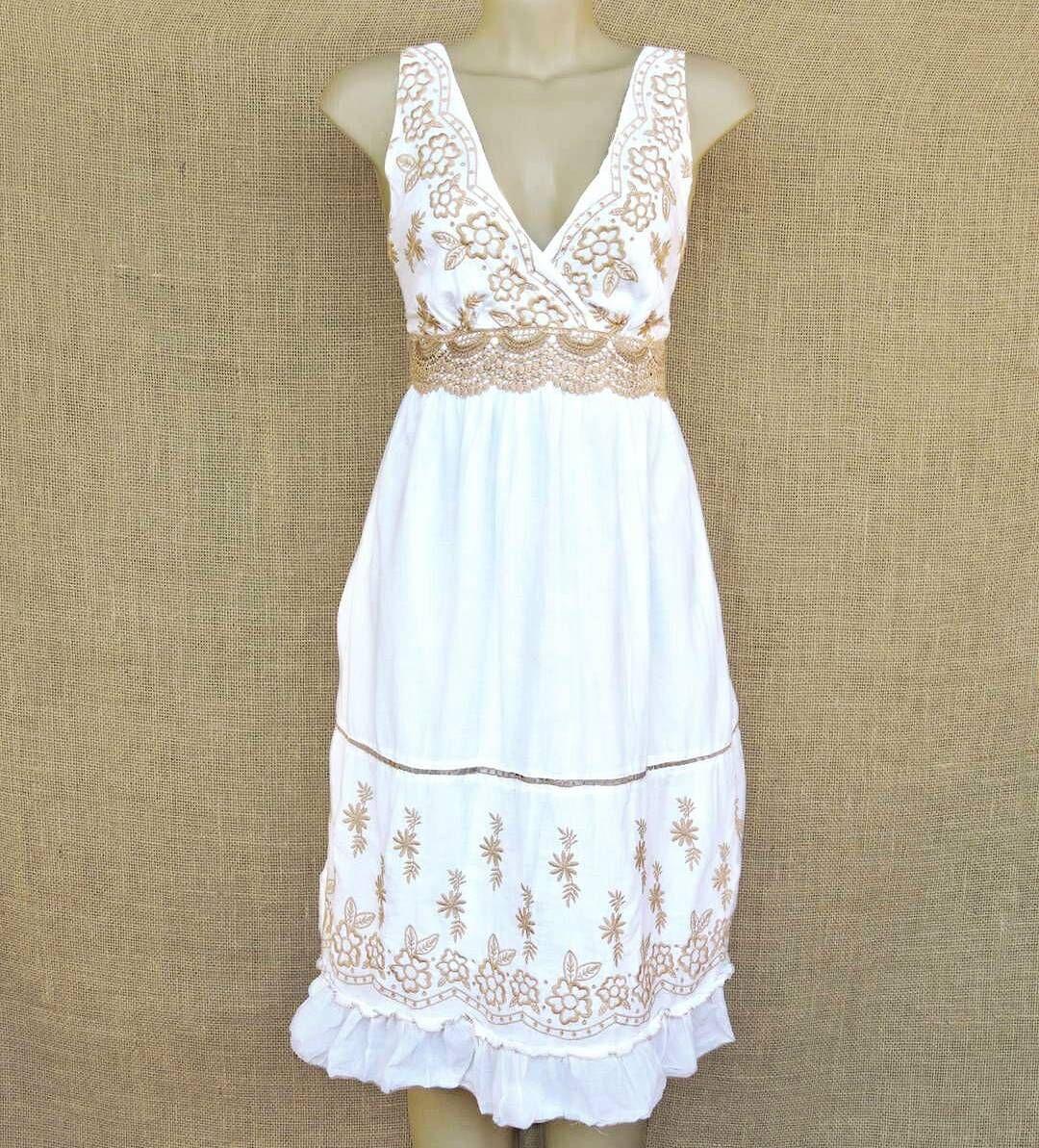 e91202689 Lindo vestido indiano branco bordado no estilo retrô. Por 7490. E nas  compras acima