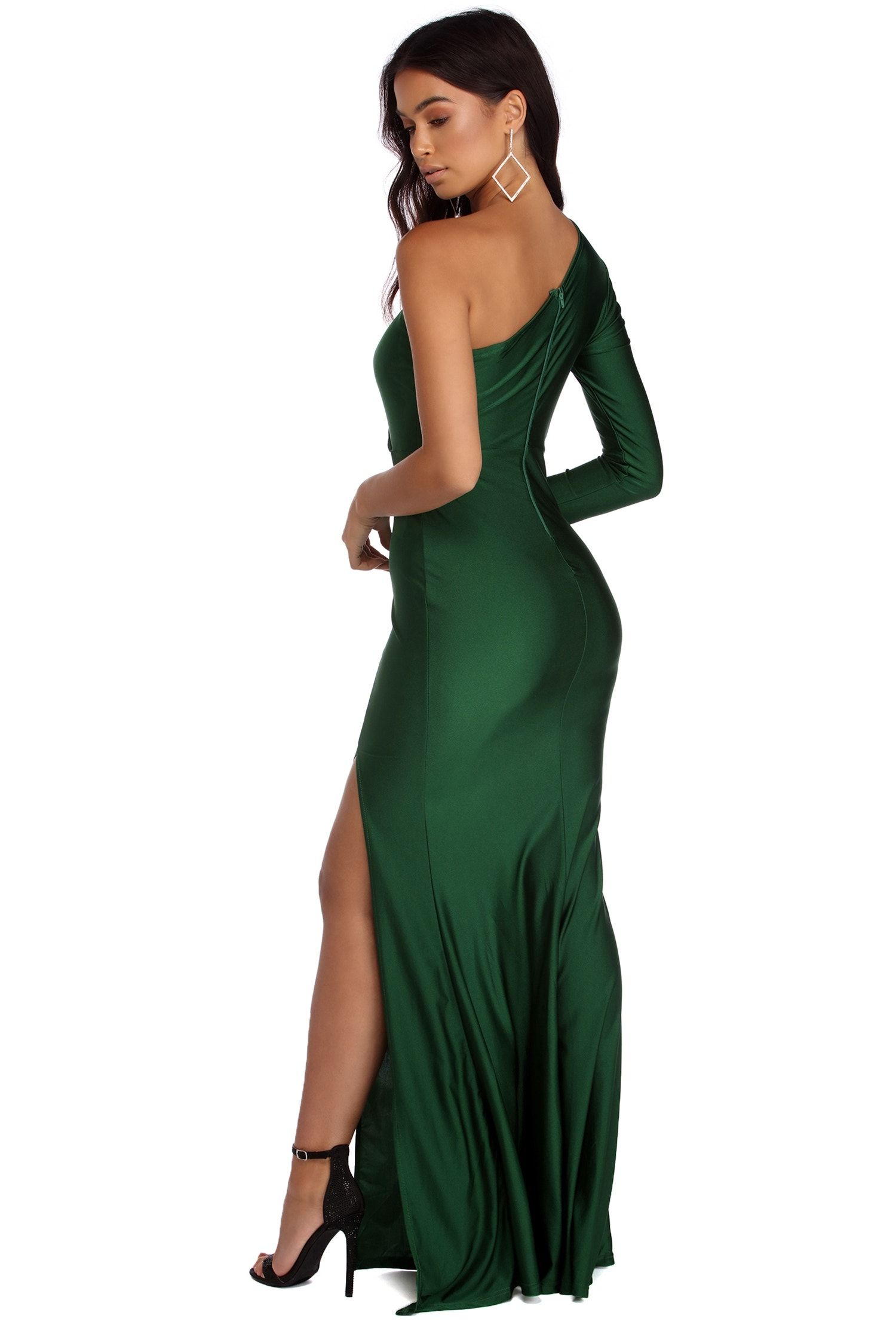 Windsorstore Annalise Formal One Shoulder Dress 050025561 Rona Mahal Product Page Https Www Windsor Dresses One Shoulder Dress Formal Dresses Long [ 2247 x 1500 Pixel ]