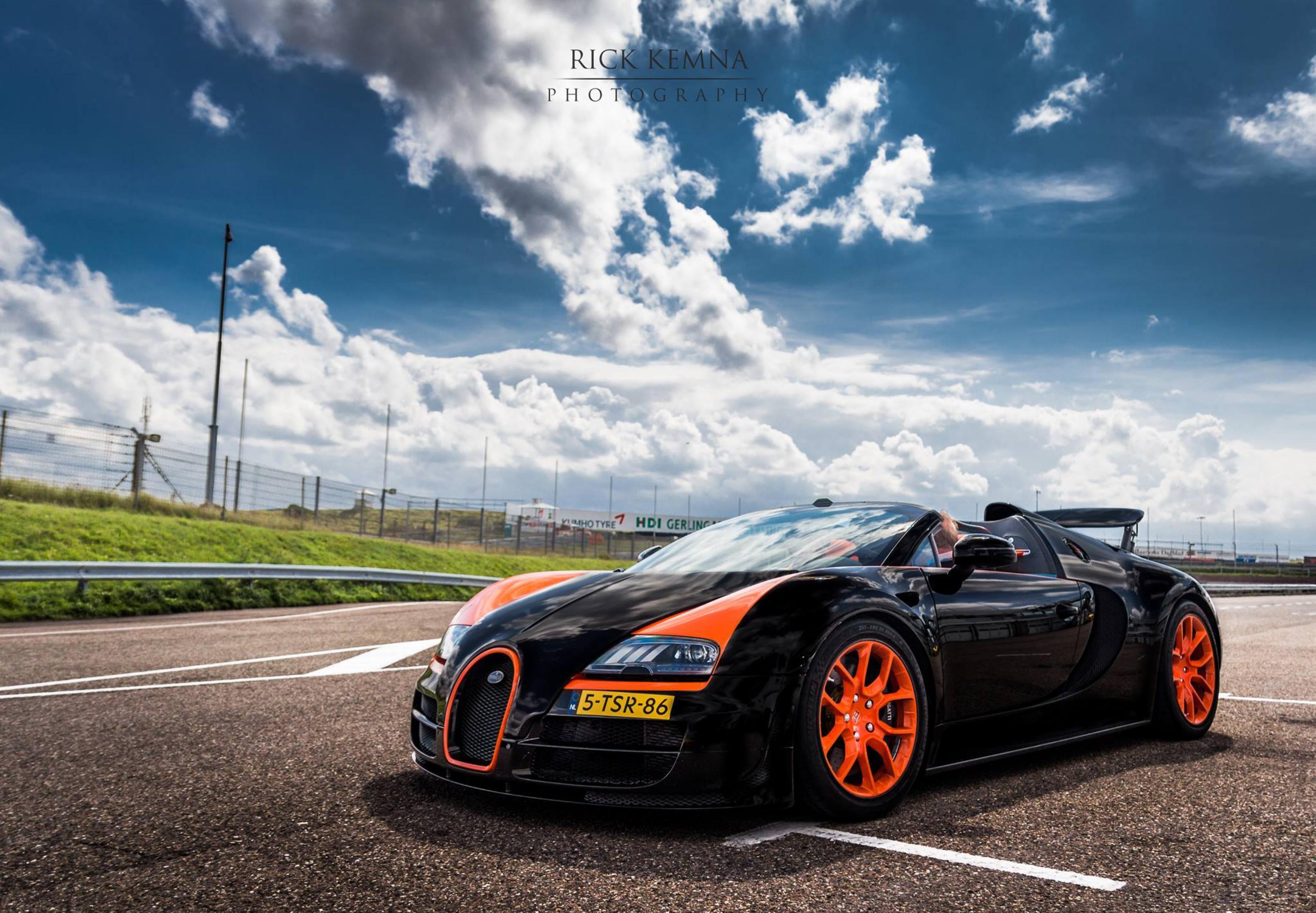 Review 2013 Bugatti Veyron Grand Sport Vitesse Wrc Bugatti Veyron Grand Sport Vitesse Super Car Bugatti Bugatti Veyron