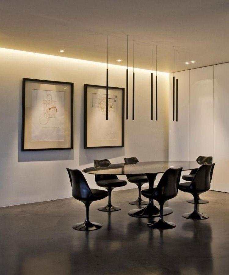 schwarze Esszimmermöbel und minimalistische Pendelleuchten Ideen