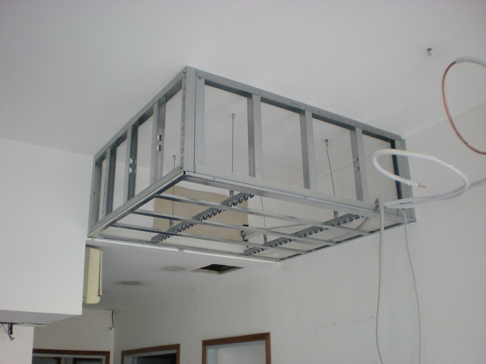 Cartongesso Struttura2 Jpg 1 590 1 193 Pixel Plafond Cuisine Faux Plafond Cuisine Plafond