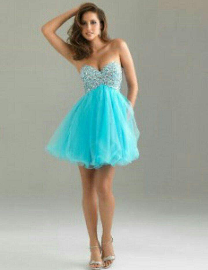 Sonhar com vestido azul brilhante