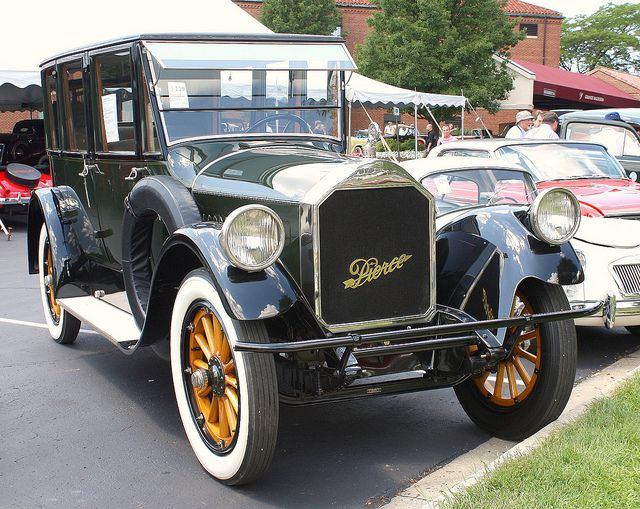 1921 Pierce-Arrow Model 32 seven passenger sedan | Flickr - Photo Sharing! ════════════════════════════ http://www.alittlemarket.com/boutique/gaby_feerie-132444.html ☞ Gαвy-Féerιe ѕυr ALιттleMαrĸeт   https://www.etsy.com/shop/frenchjewelryvintage?ref=l2-shopheader-name ☞ FrenchJewelryVintage on Etsy http://gabyfeeriefr.tumblr.com/archive ☞ Bijoux / Jewelry sur Tumblr