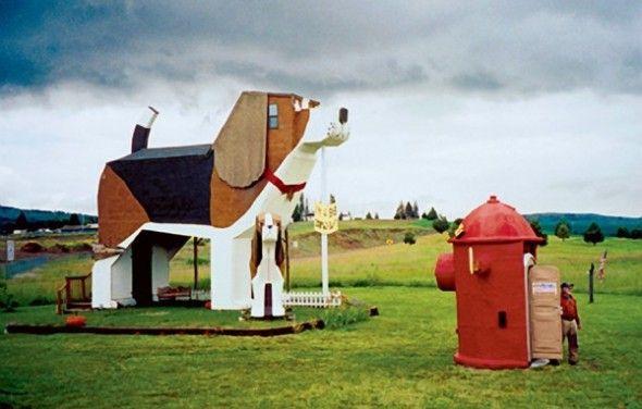 Traveling Try The Dog Bark Park Inn Dog Houses Worlds Largest