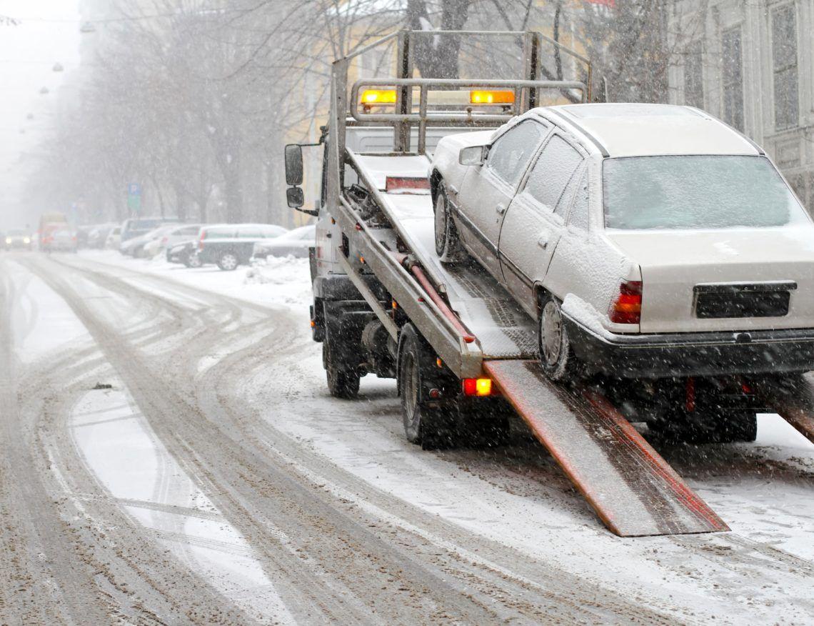 Hiring a Cheap 24 Hour Towing Truck Service 3173434543