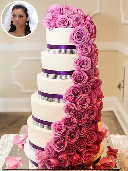 See Priyanka Chopra And Nick Jonas Massive 7 Tier Wedding Cake