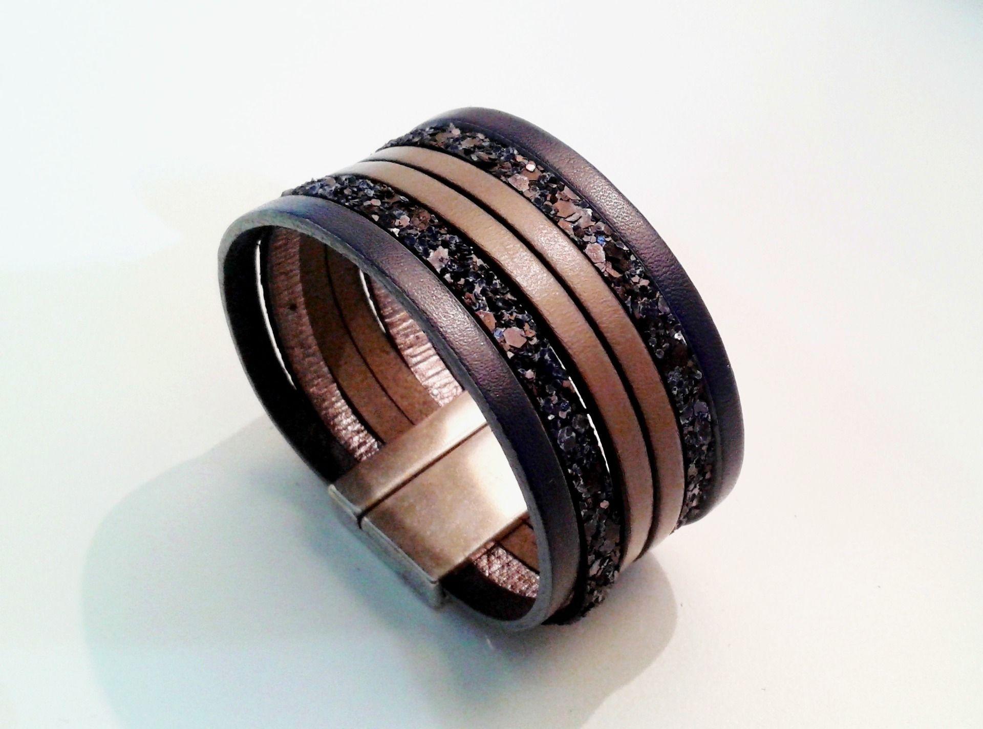 manchette cuir bleu marine pailleté marine gris ardoise avec fermoir aimanté zamac argent : Bracelet par eddco