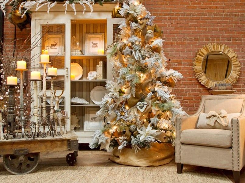 Decorating Modern Design Homes Interior Cream And Gold Christmas Decorations Chr Christmas Decorations For The Home Rustic Chic Christmas White Christmas Trees